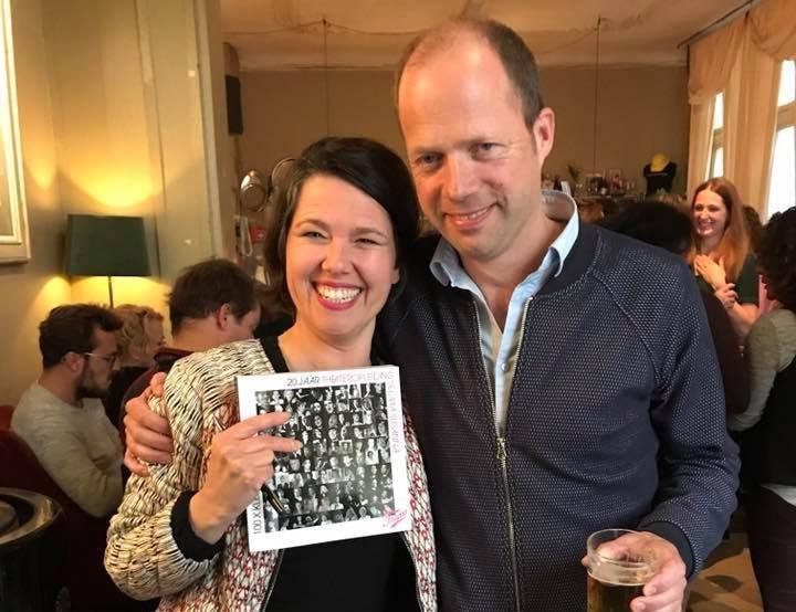 Voorzitter en Sponsor Geert-Jan Bron met Boekmaker Elsbeth Vernout